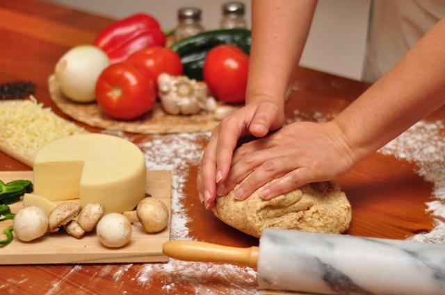 Mancarea gatita acasa e mai sanatoasa