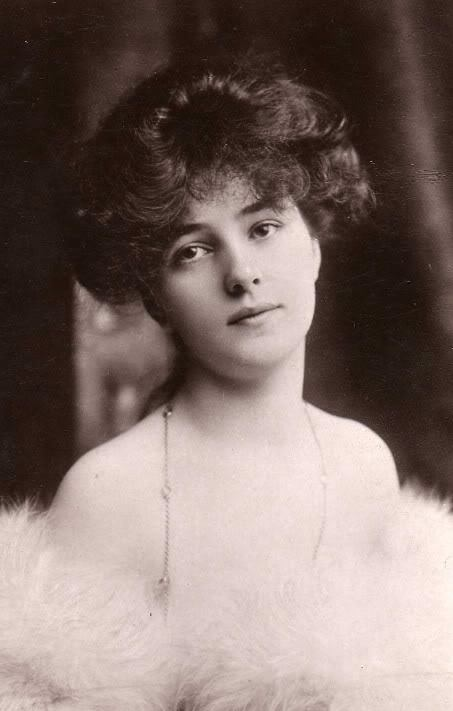 Cine a fost Evelyn Nesbit?