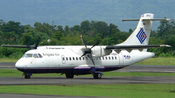 Avion prabusit in Indonezia